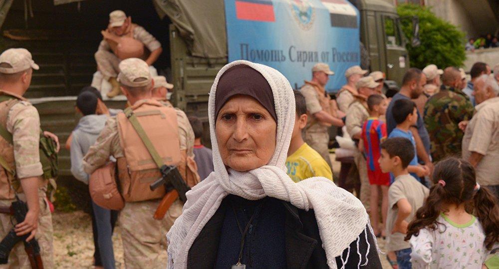俄军方已将人道主义救援物资交予叙利亚拉塔基亚省的村民