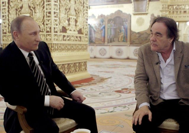 俄罗斯总统弗拉基米尔·普京与美国导演奥利弗·斯通