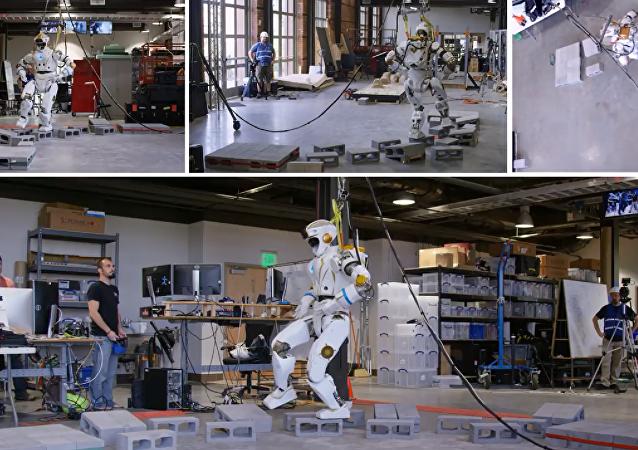 """NASA展示了探索火星的人形机器人""""女武神"""""""