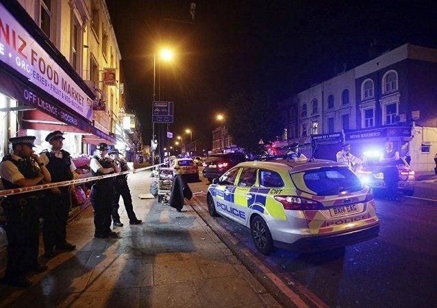 伦敦冲入人群货车司机被捕