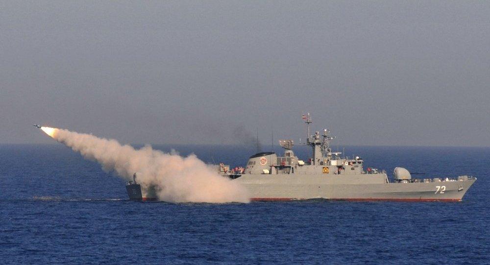 美国瞩目之下:中国与伊朗在霍尔木兹海峡举行军演