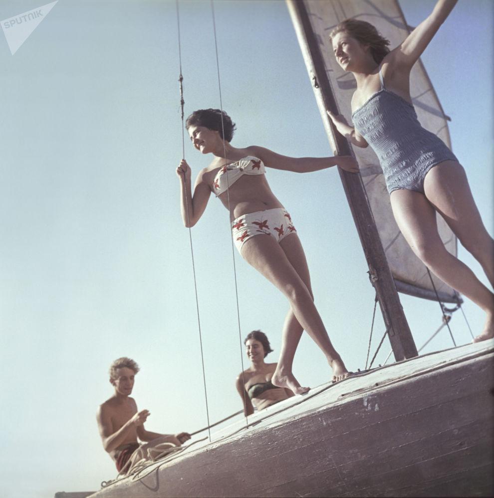 游船上的女孩们