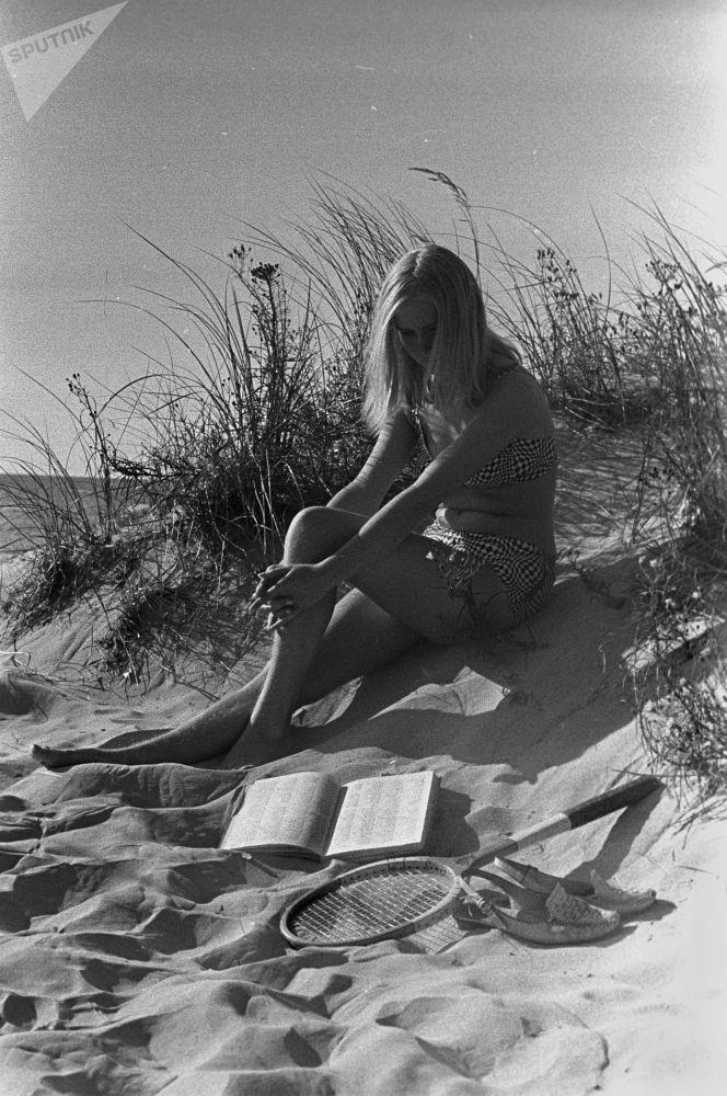 里加海边的女孩
