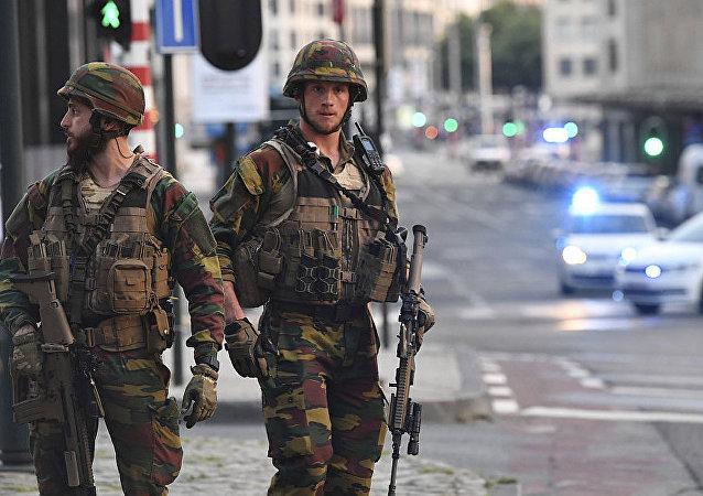 """以""""伊斯兰国""""名义宣称对恐袭事件负责的比利时武装分子被击毙"""