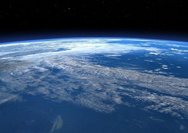 科学家:今天地球上有生命存在实属侥幸