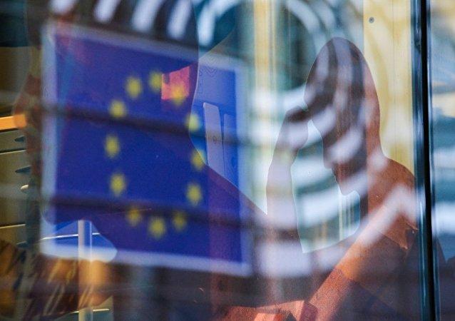民调:60%的英国人希望脱欧后保留欧洲公民的身份
