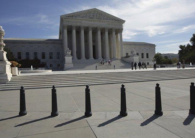 美国最高法院同意受理特朗普移民行政令案