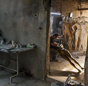 波蘭攝影師斯捷潘·魯季克作品,出自《伊斯坦布爾人體模型製作》系列