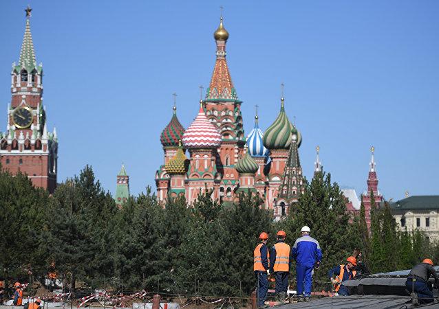 莫斯科市中心一座悬浮桥近期将对游人开放