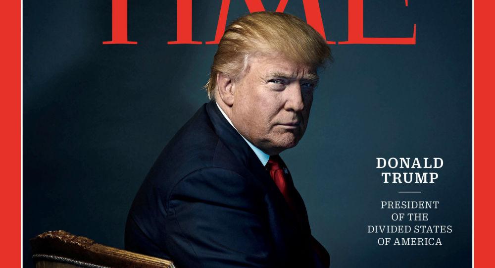 该报称,至少有五家特朗普的高尔夫俱乐部墙上悬挂着伪造的有特朗普肖像的《时代周刊》封面。这个封面的发行日期是2009年3月1日。然而,2009年,特朗普的肖像一次都没有上过《时代周刊》封面。 据报道,在特朗普政治生涯开始前,他的肖像仅在1989年1月1日的《时代》杂志封面上出现过。 《时代周刊》代表Kerri Chyka证实,有特朗普肖像的封面是伪造的。他说,《时代周刊》要求移除所有高尔夫俱乐部的所有假封面。