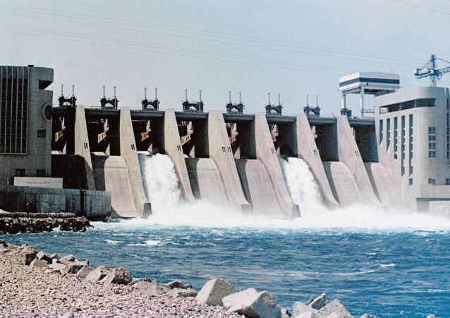 外交消息人士:因恐怖分子建筑堤坝拦截幼发拉底河或导致叙代尔祖尔人道主义灾难
