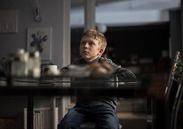 安德烈·萨金塞夫电影作品《无爱可诉》中的镜头