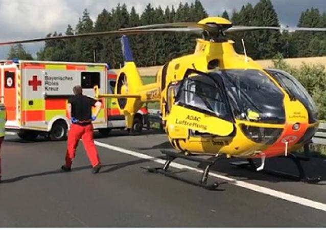 德国警方证实巴伐利亚州大巴车祸中18人遇难