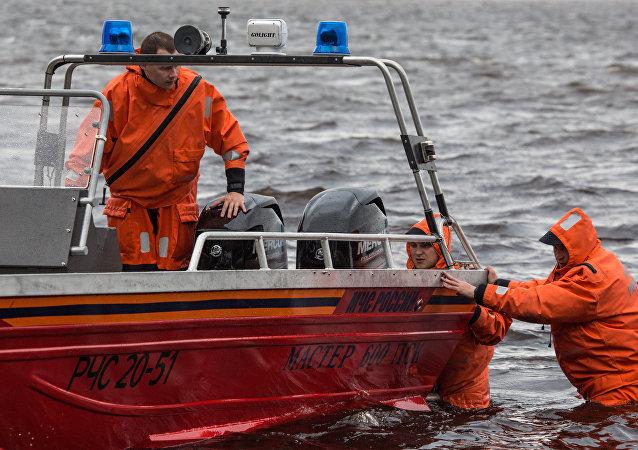 车里雅宾斯克州翻船事件导致7人死亡 其中包括4名儿童