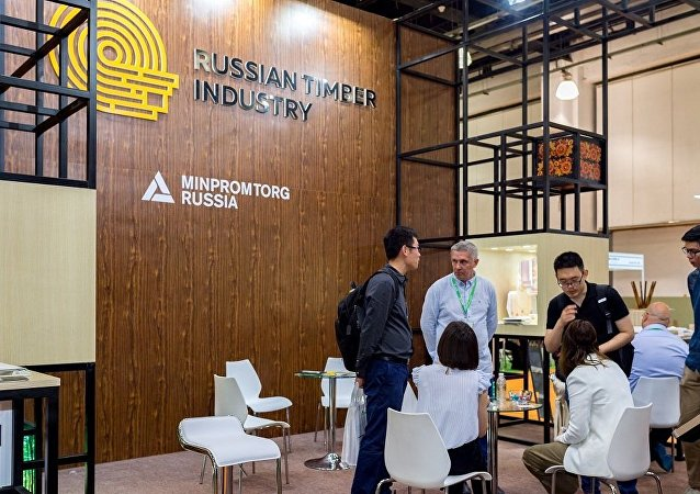 俄木工企业在上海木业展与150余家企业建立伙伴关系