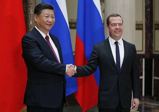 中國國家主席習近平將與來訪的俄羅斯總理梅德韋傑夫舉行會見