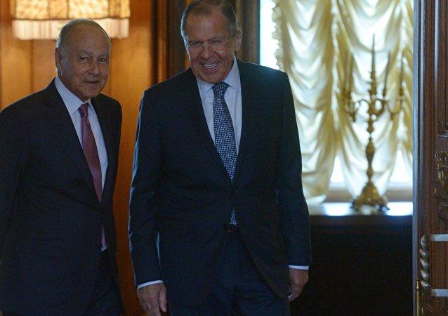 俄外交部长:莫斯科认为所有阿拉伯国家都应参与阿盟事务至关重要