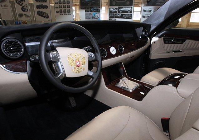 俄罗斯新款商务轿车受普京好评