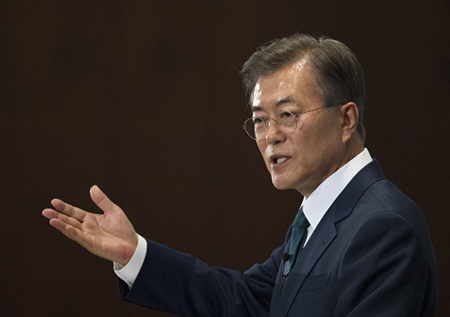 韩国总统:必须共同解决朝鲜威胁