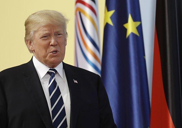 """特朗普:普京坚决否认""""干预""""美国选举"""