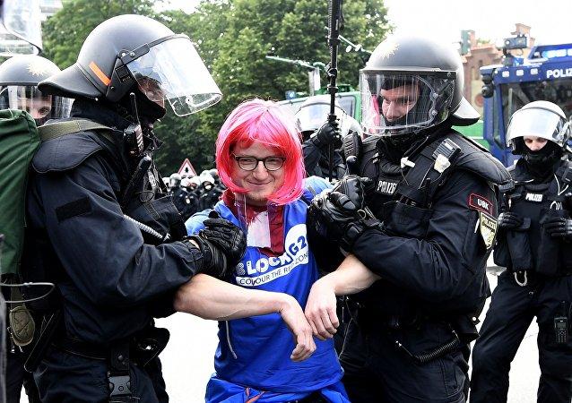 媒体:汉堡警方拘留大批来自欧洲各国的左翼激进分子