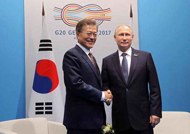 韩国总统邀请普京访问首尔