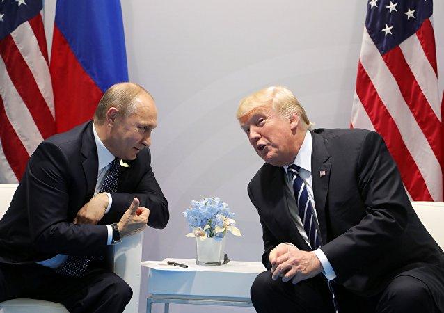 """普京:向特朗普重述俄有关""""干预""""美国选举的立场"""