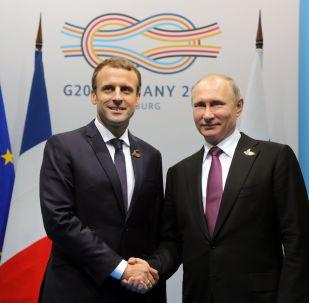马克龙与普京通电话希望俄罗斯取得政治现代化成功