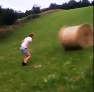 哪里来的自信 草垛是你说跳就跳的么