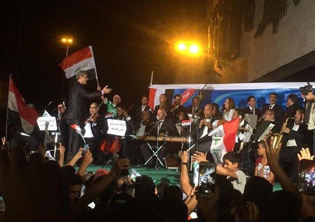 """巴格达举行战胜""""达伊沙""""组织的庆祝活动"""