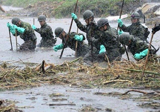 约2000名军警被派出搜索22名在日本西南部失踪人员