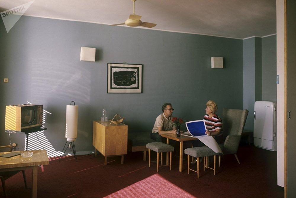 """""""索契""""联合疗养院的豪华房间,1968年。"""