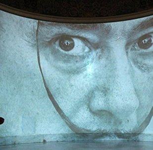 超现实艺术家达利被开棺验尸 胡子形状保持良好