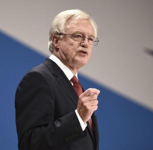 英國外交大臣對「與俄關係複雜」表示遺憾
