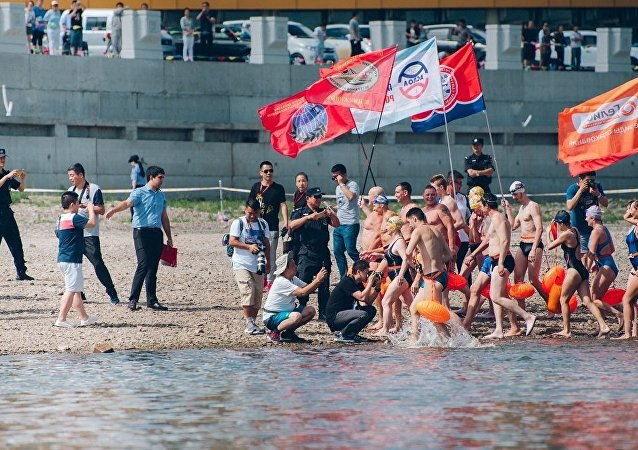 300人参加俄中国际游泳友谊赛