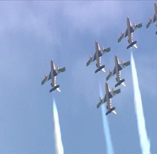 俄罗斯周六举行莫斯科航展训练飞行