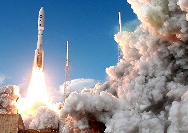 美国发射阿特拉斯5火箭搭载美军X-37B太空战机升空