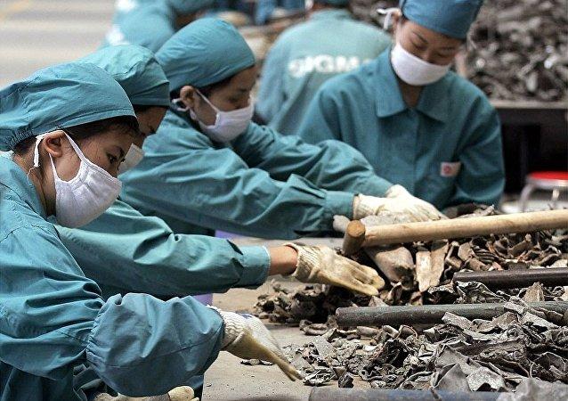 中国环保部:为维护生态环境安全中国将禁止进口废塑料等24类固体废物