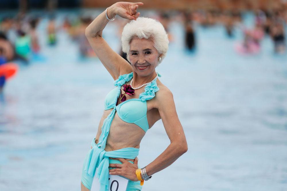"""参加""""不老比基尼大赛""""的78岁俏奶奶"""