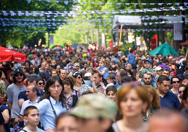 民调:格鲁吉亚60%以上人口失业