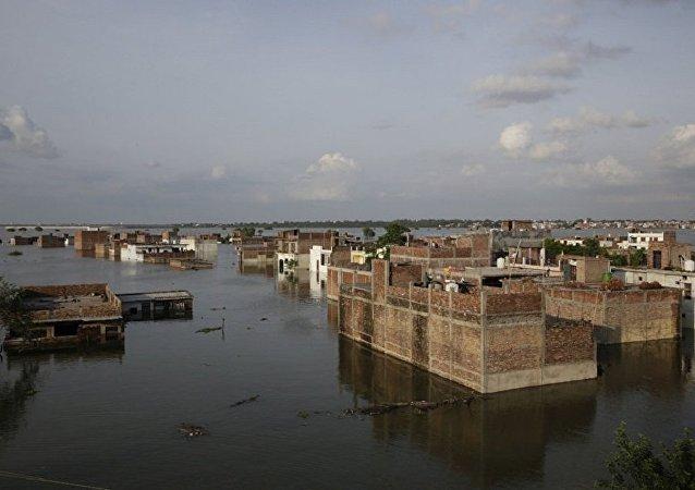 印度洪灾 (资料图片)