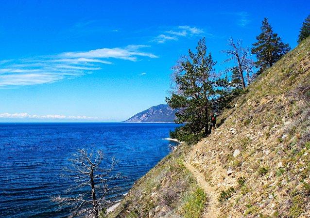 贝加尔湖轮渡24小时载客减少游客排队时间