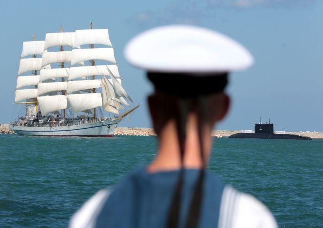 圣彼得堡庆祝海军日