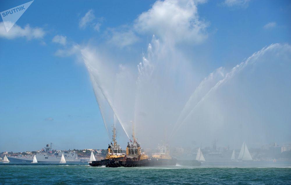 塞瓦斯托波尔俄罗斯海军日当天的阅兵式
