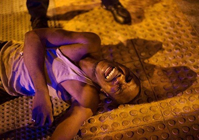 非法移民在马德里临时拘留中心制造暴乱
