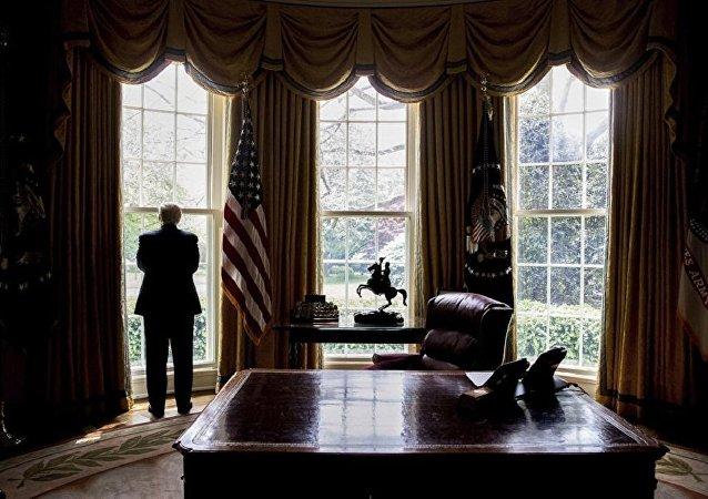 媒體:特朗普每日開始工作的時間更晚且更多時間用於看電視