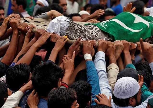 媒体:印度2名军人在克什米尔与武装发生冲突时死亡