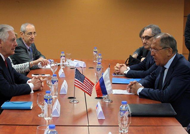 俄罗斯外长拉夫罗夫与美国国务卿蒂勒森