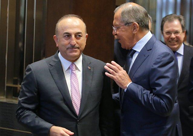 俄土外長將討論敘衝突降級區內反恐合作問題