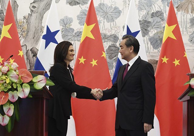中国帮助巴拿马反恐并保护运河